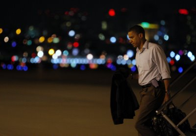 Obama_work_late