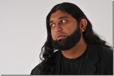20100108_comedian-azhar-usman_33