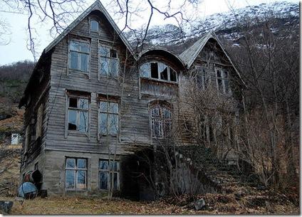 creepy house 2