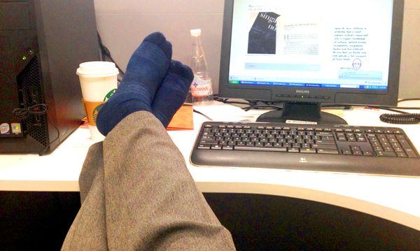 Nury socks feet